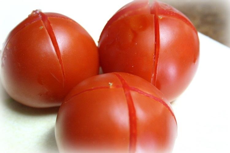 קילוף עגבניות