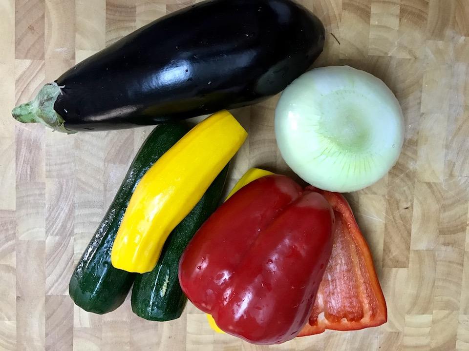 ארגון ירקות כשחוזרים מקניות